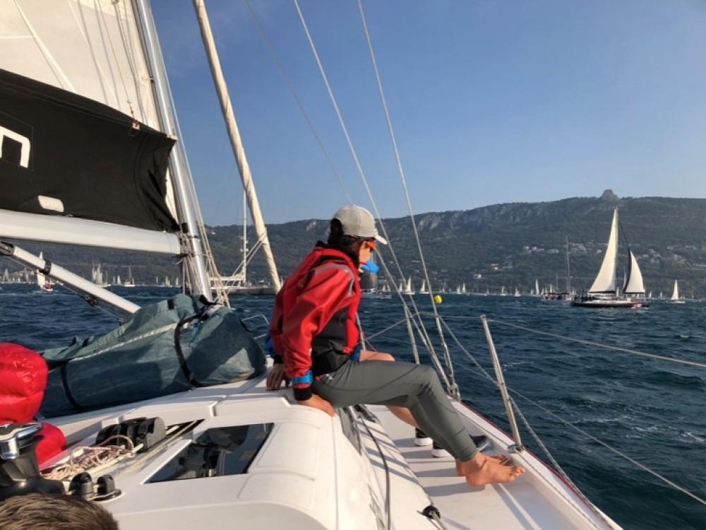 Rental yacht Capo d'Orlando - Elan Elan E5 on SamBoat