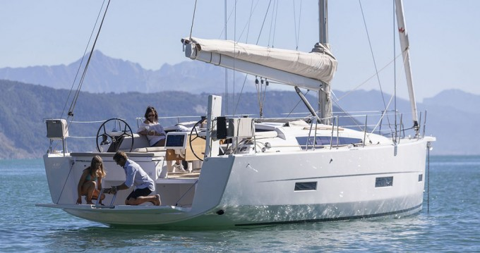 Boat rental Dufour Dufour 430 Grand Large in Volos on Samboat