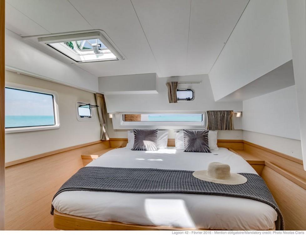 Rental Catamaran in Tourlos - Lagoon Lagoon 42