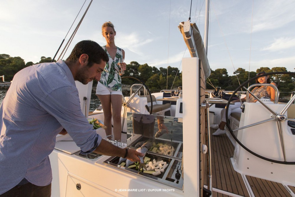Rental Sailboat in Tourlos - Dufour Dufour 460 Grand Large