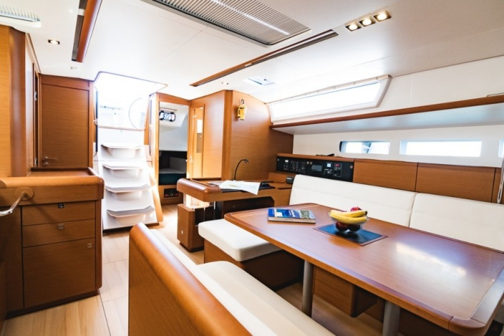 Rental Sailboat in Atene - Jeanneau Sun Odyssey 519