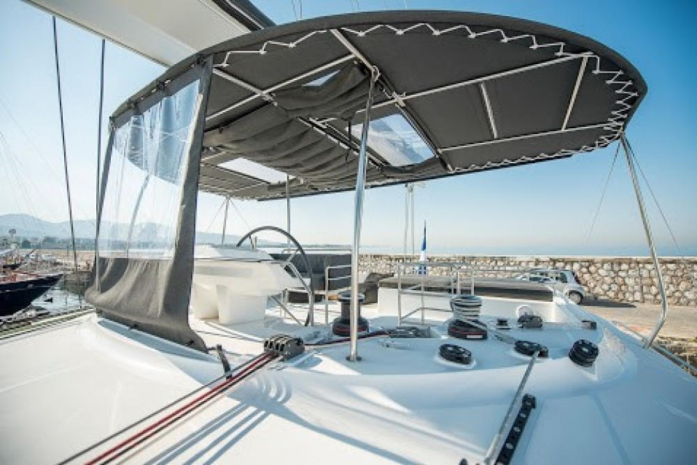 Boat rental Athens cheap Lagoon 560