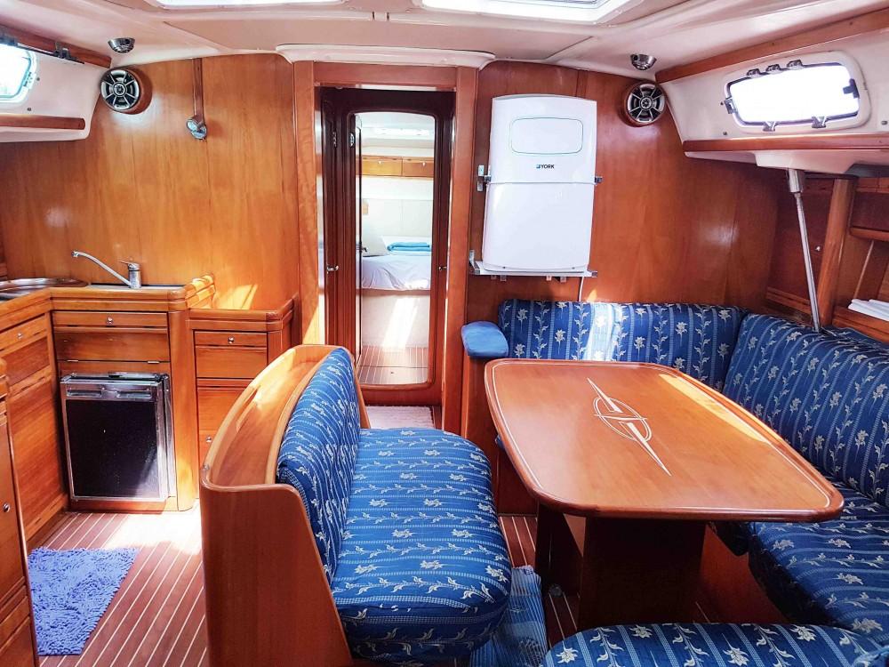 Rent a Bavaria Bavaria 46 Cruiser