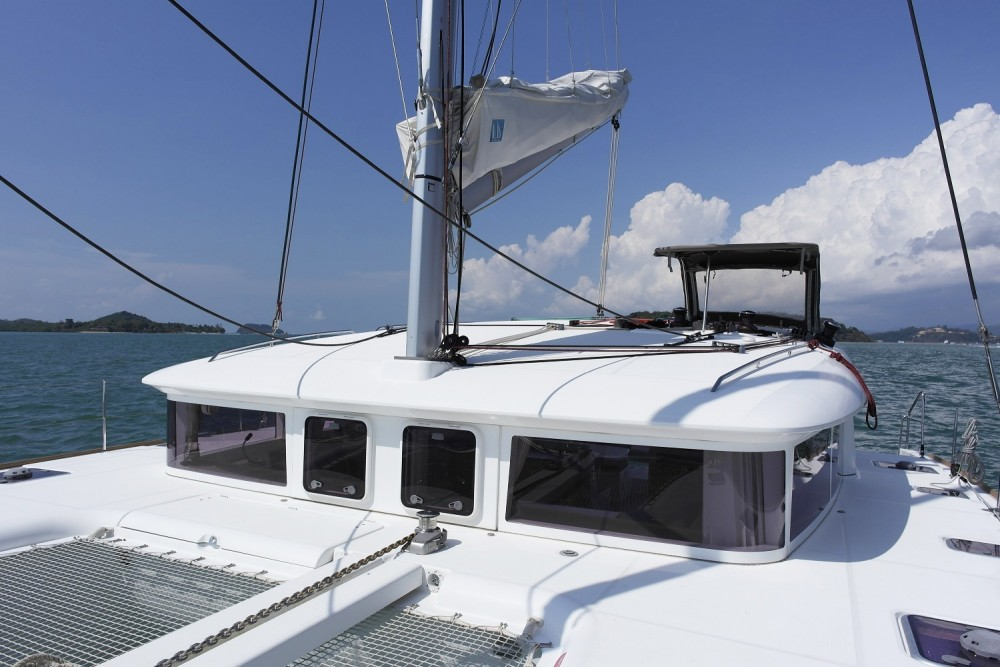 Boat rental Lagoon Catamaran Lagoon 400 in Phuket on Samboat