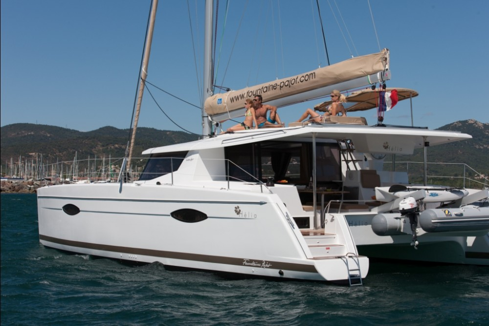 Hire Catamaran with or without skipper Fountaine Pajot Nouméa