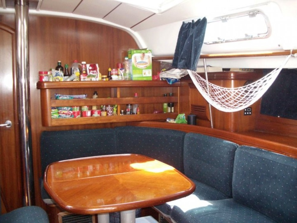 Bénéteau Oceanis 411 between personal and professional Cartagena