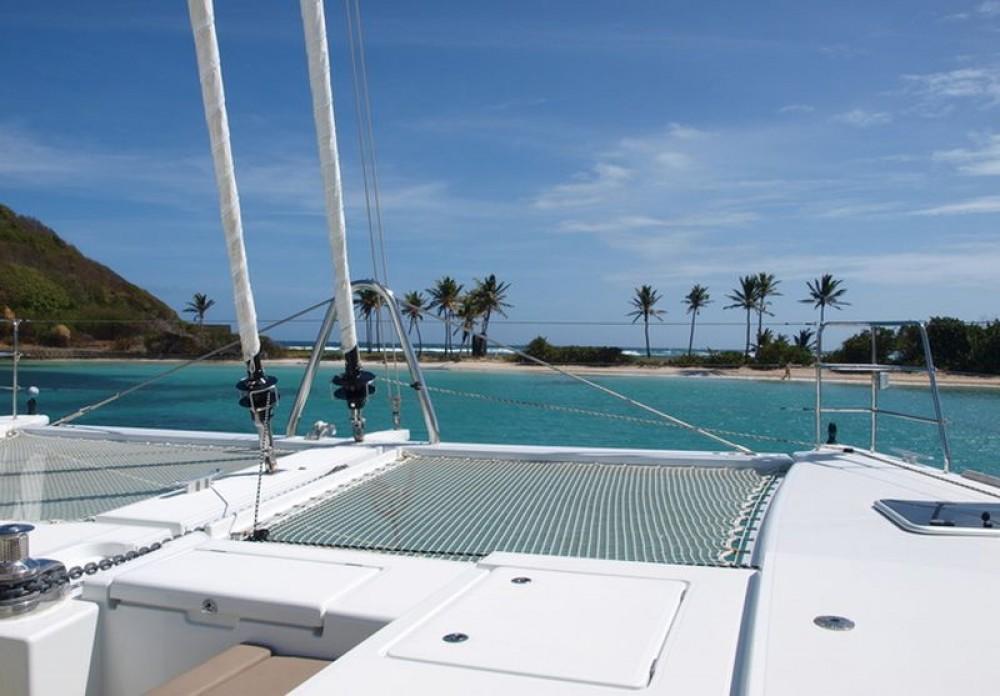 Boat rental Lagoon Lagoon 560 in Martinique on Samboat