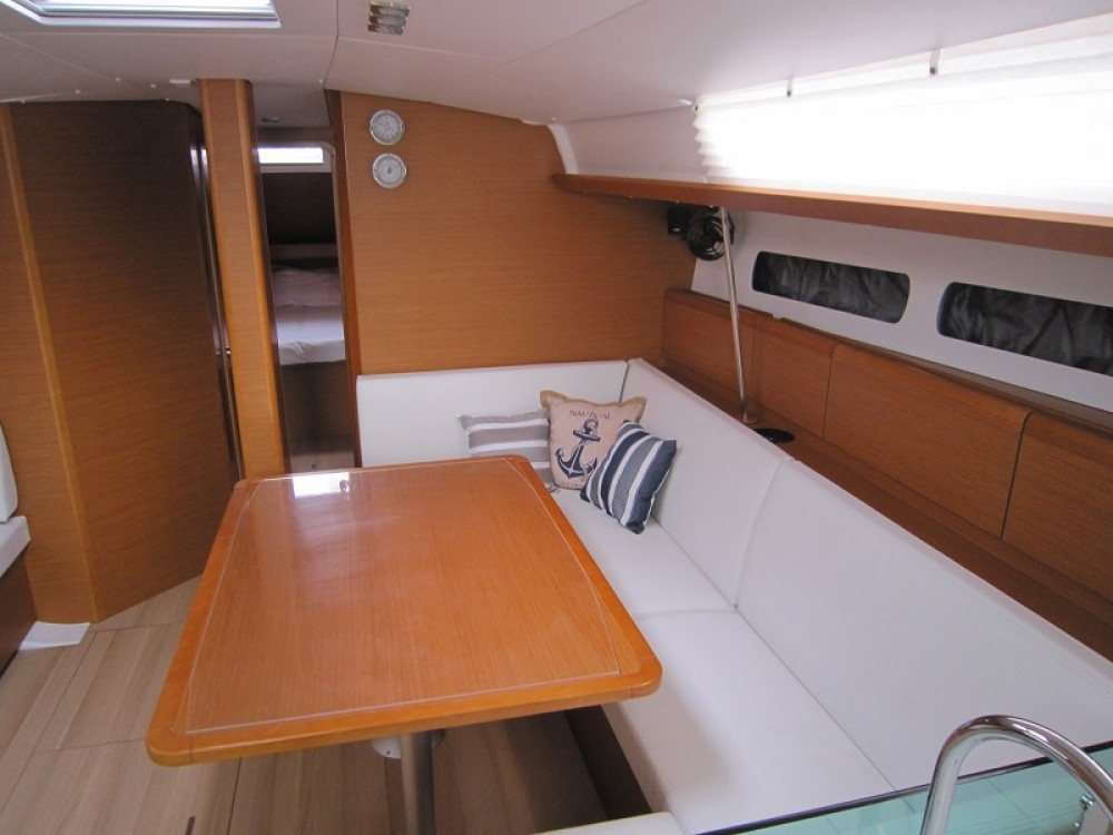 Jeanneau Sun Odyssey 449 between personal and professional Key West