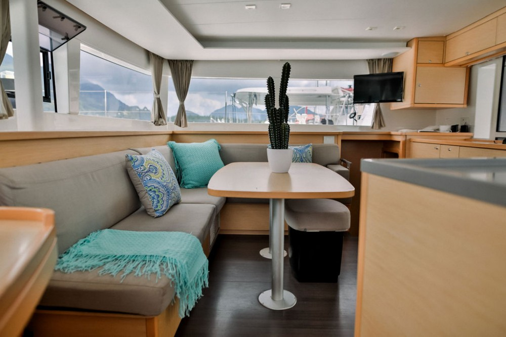 Rental Catamaran in Seychelles - Lagoon Catamaran Lagoon 450 F