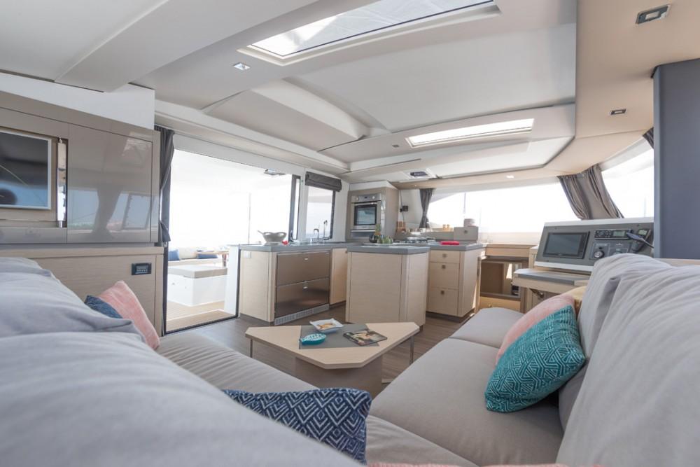 Rental yacht Seychelles - Fountaine Pajot Saona 47 on SamBoat