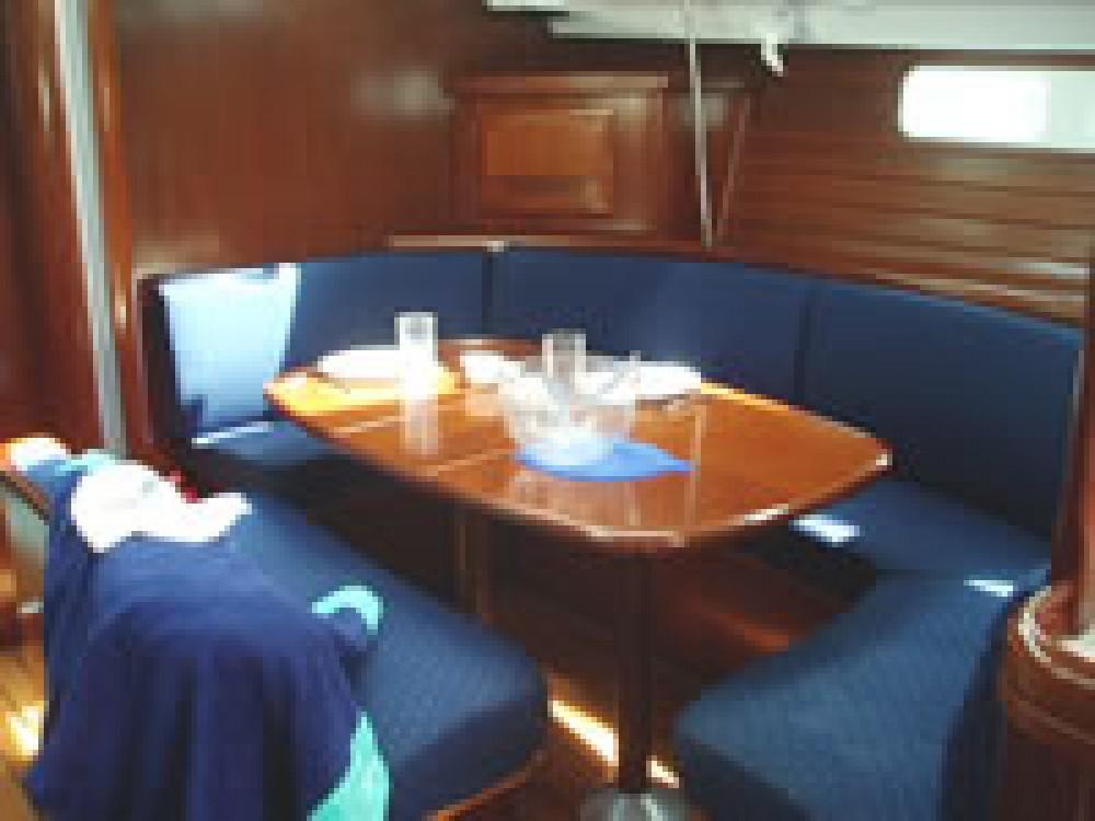 Rental Sailboat in Eastleigh - Bénéteau Oceanis 473