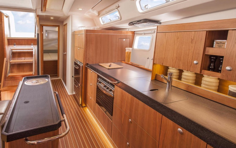 Boat rental Hanse Hanse 505 in Eastleigh on Samboat