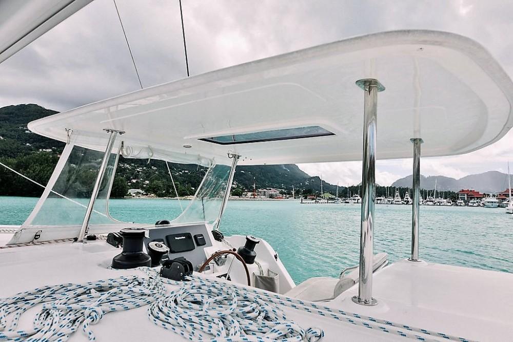 Rental Catamaran in Seychelles - Robertson and Caine Leopard 48