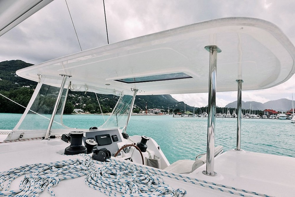Rental yacht Seychelles - Robertson and Caine Leopard 48 on SamBoat