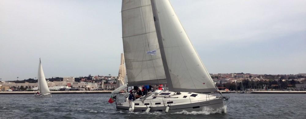 Rent a Bavaria Bavaria 40 Sport Lisbon