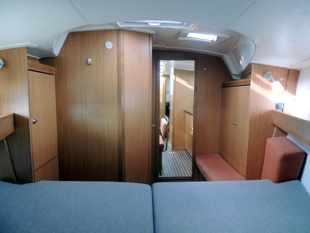 Rental Sailboat in Lisbon - Bavaria Bavaria 40 Sport