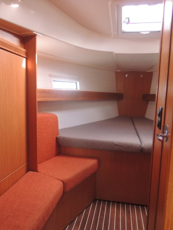 Hire Sailboat with or without skipper Bavaria Lisbon