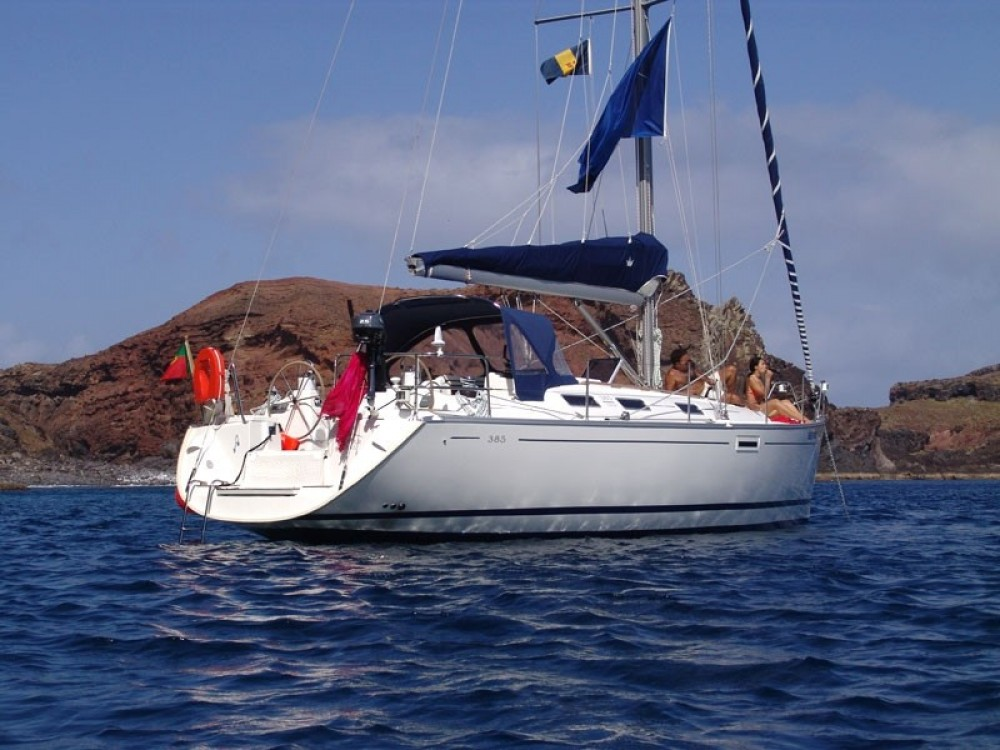 Sailboat for rent Madeira at the best price