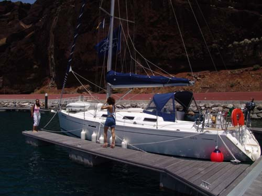 Dufour Dufour 385 between personal and professional Madeira
