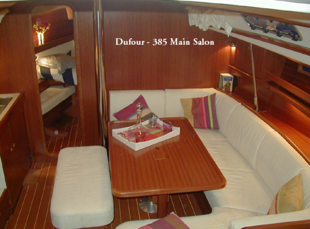 Boat rental Dufour Dufour 385 in Madeira on Samboat