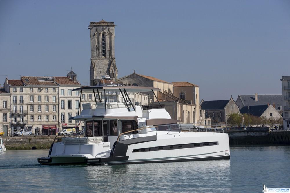 Hire Catamaran with or without skipper Bali Power Catamaran Nassau