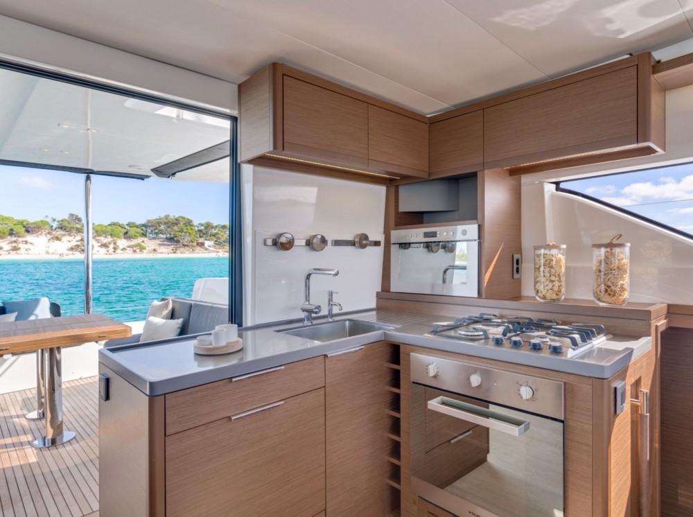 Rental Catamaran in Nassau - Lagoon Lagoon 50