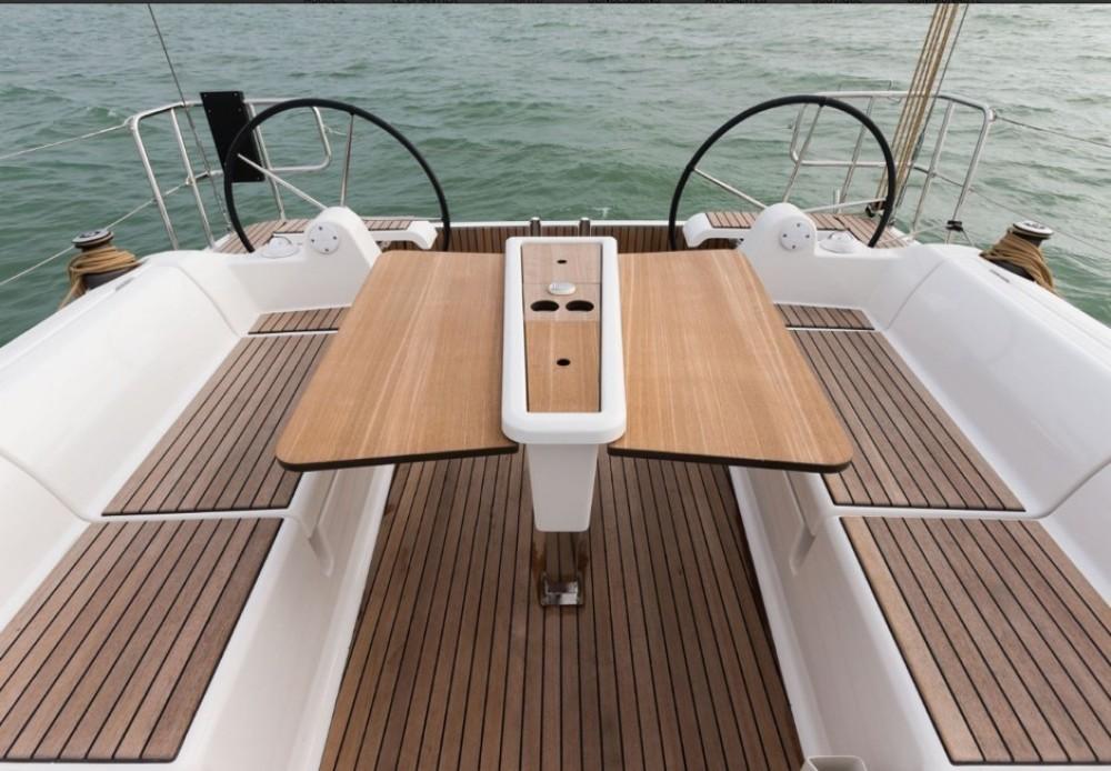 Boat rental Nassau cheap Dufour 382 Grand Large