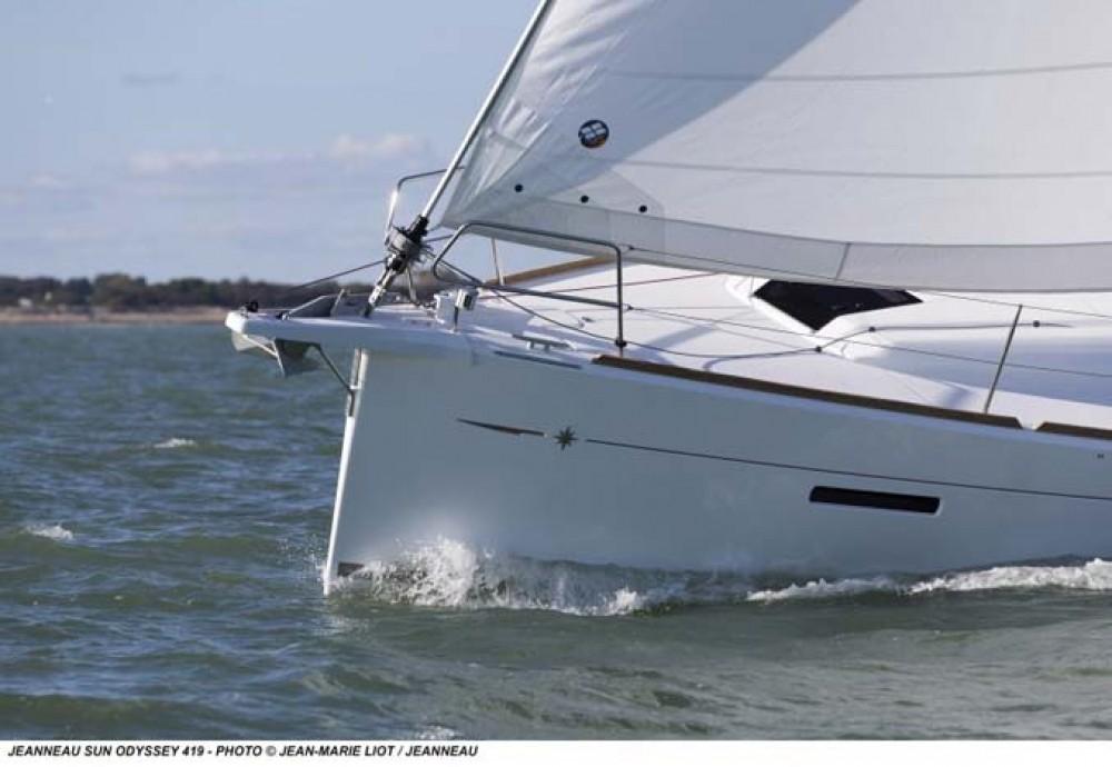 Jeanneau Sun Odyssey 419 between personal and professional Nassau