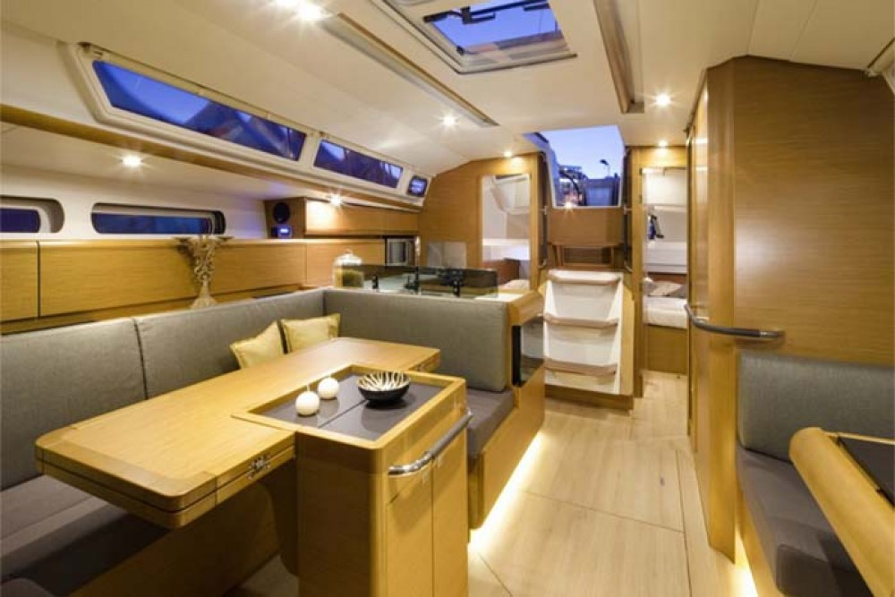 Rental Sailboat in Nassau - Jeanneau Sun Odyssey 409