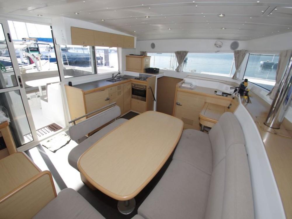 Boat rental  cheap Lagoon 421