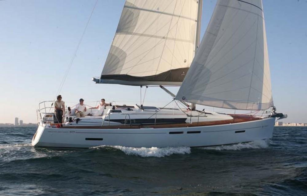 Jeanneau Sun Odyssey 409 between personal and professional Nassau