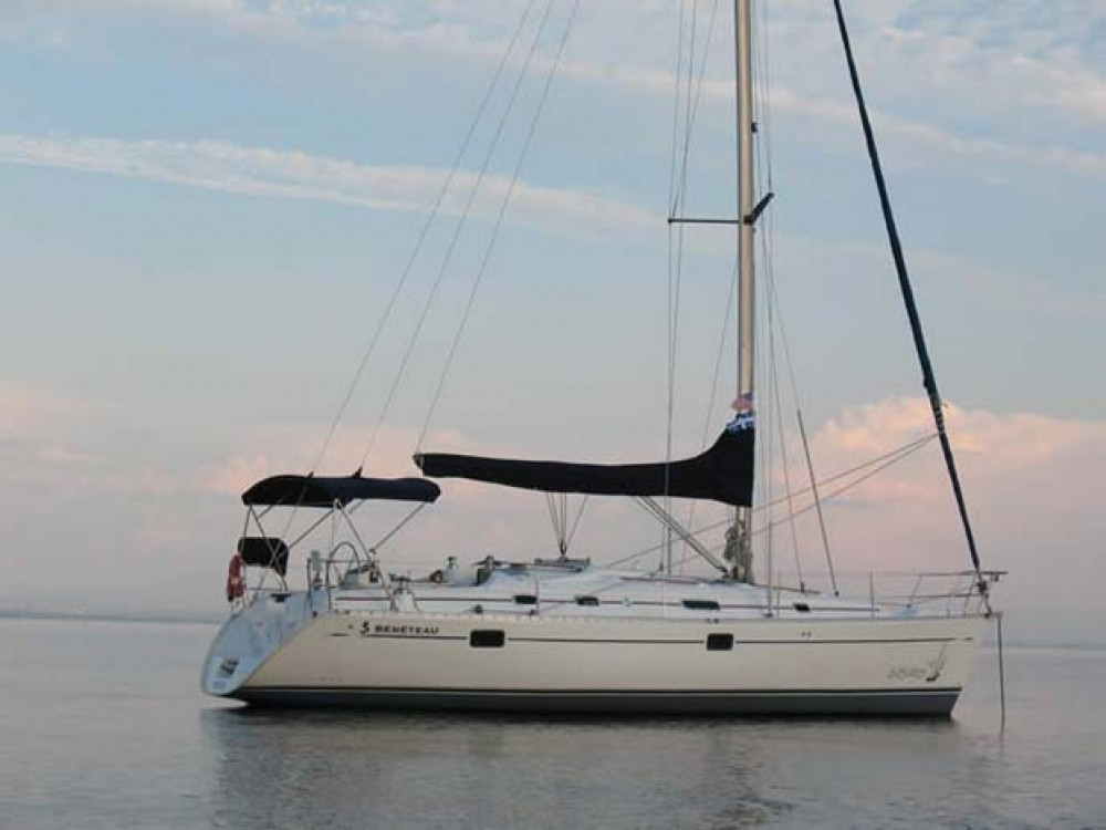 Bénéteau Oceanis 381 between personal and professional Rouses Point
