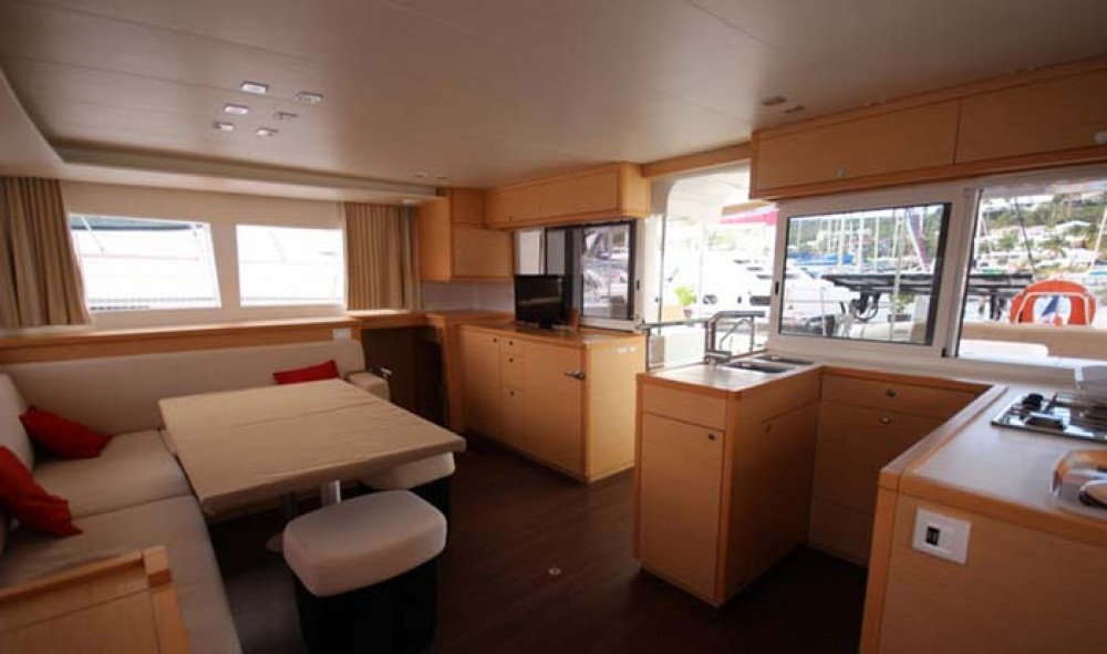 Rental Catamaran in Nassau - Lagoon Lagoon 450