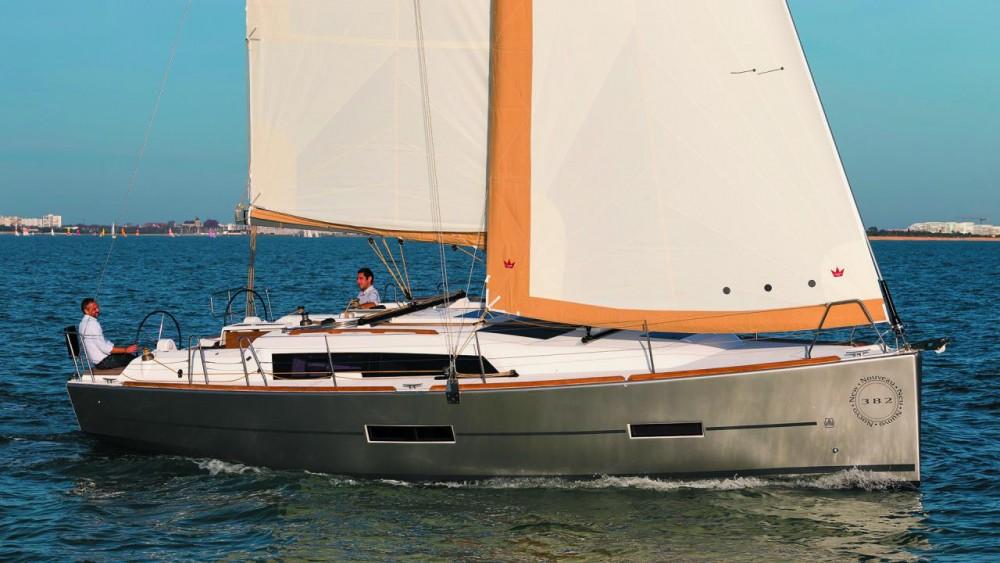 Rental Sailboat in Antibes - Dufour Dufour 382 Grand Large