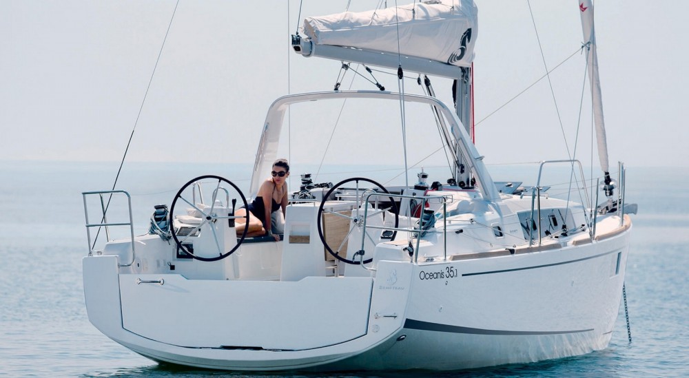 Boat rental Bénéteau Oceanis 35.1 in Capo d'Orlando on Samboat
