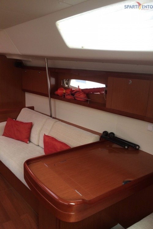 Boat rental Bénéteau Oceanis 50 in Furnari on Samboat