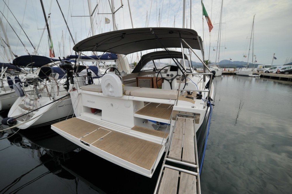 Boat rental Dufour Dufour 520 GL in Olbia on Samboat