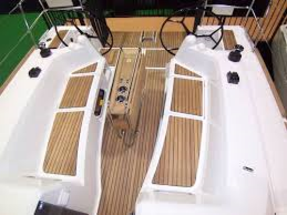 Jeanneau Sun Odyssey 349 between personal and professional