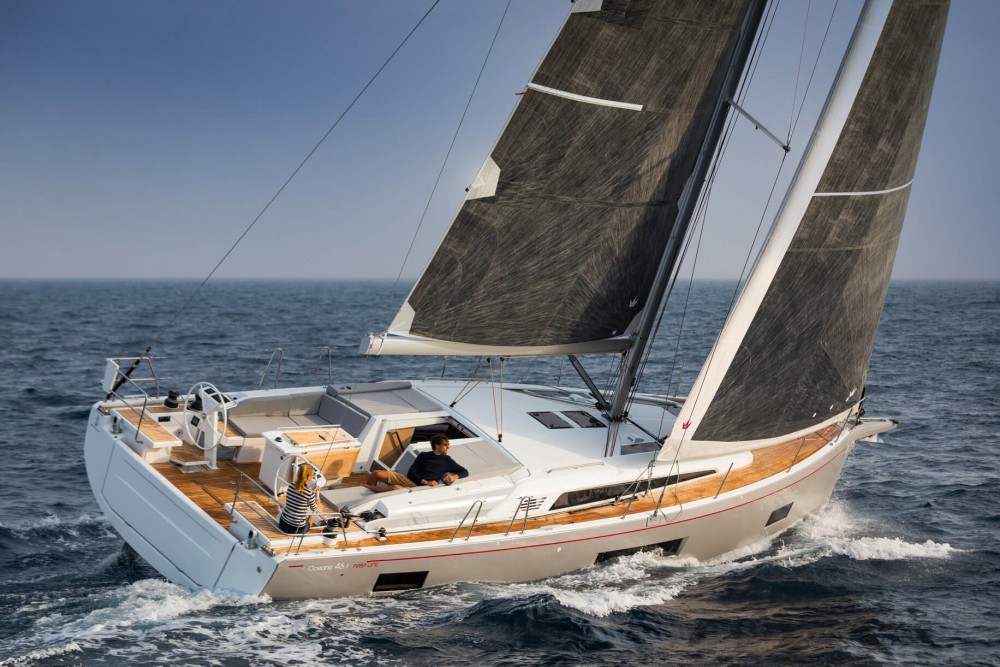 Hire Sailboat with or without skipper Galeon 510 SKY Cala d'Or