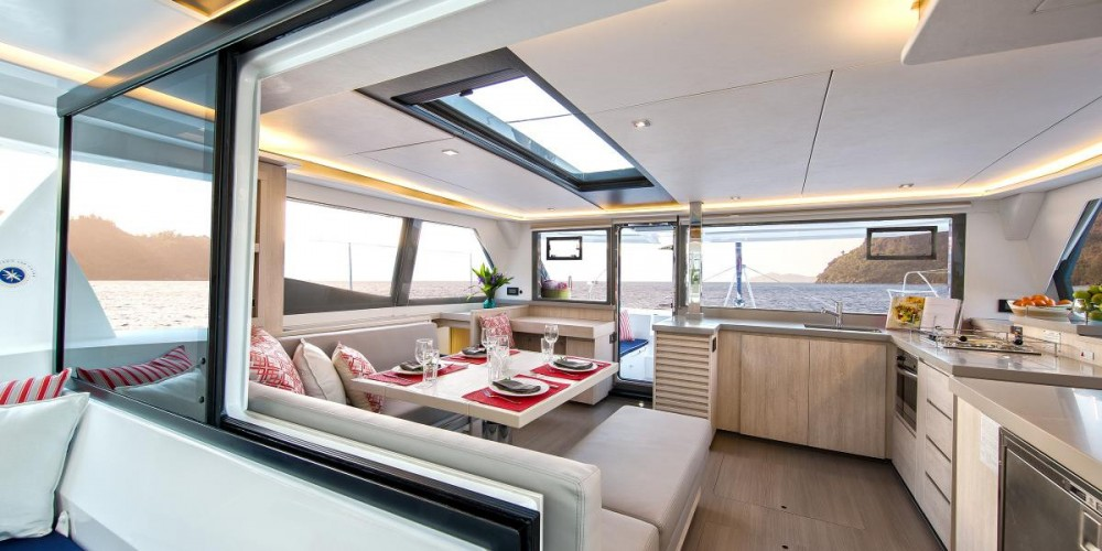 Rental Catamaran in Furnari - Robertson-Caine Leopard 45