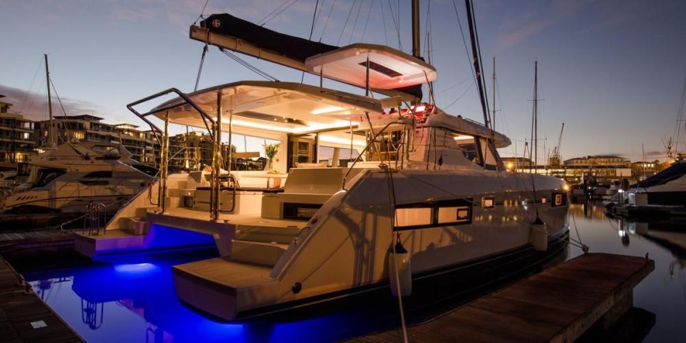 Rental yacht Furnari - Robertson-Caine Leopard 45 on SamBoat