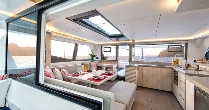Boat rental Procida cheap Leopard 45