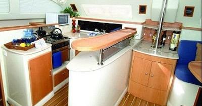 Rental Catamaran in Procida - Robertson and Caine Leopard 45