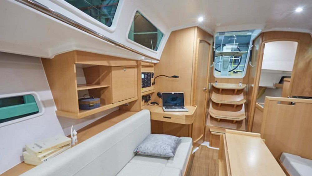Boat rental Jeanneau Sun Odyssey 319 in Furnari on Samboat