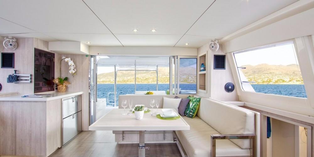 Rental yacht Cannigione - Robertson-Caine Leopard 4000 on SamBoat