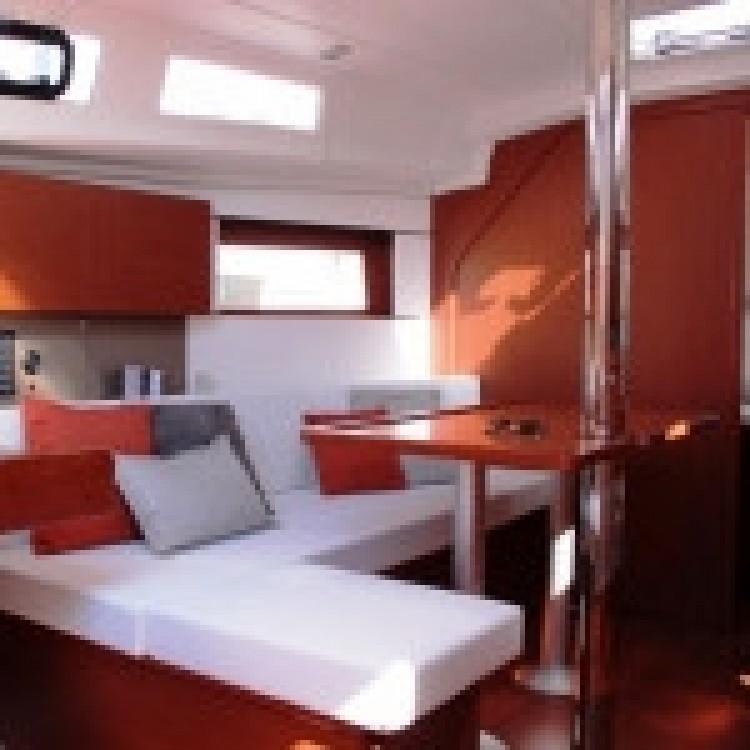 Boat rental Bénéteau Oceanis 350 in Procida on Samboat