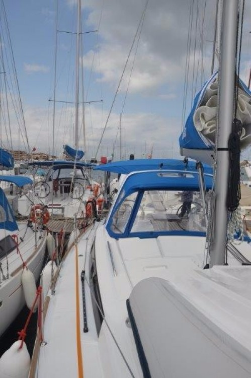 Boat rental Cannigione cheap Oceanis 38.1