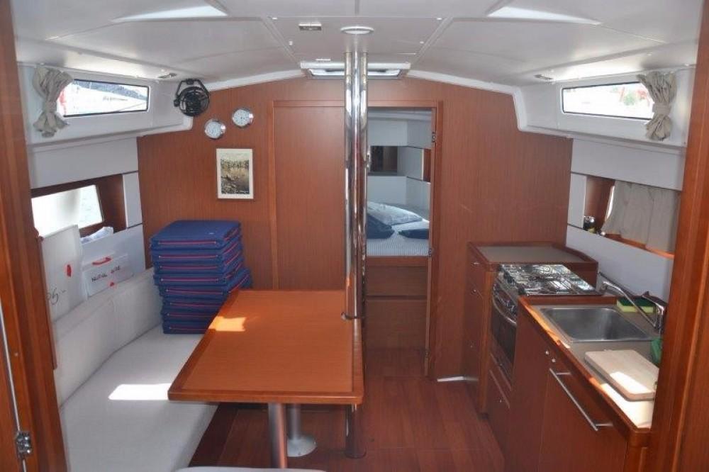 Rental Sailboat in Cannigione - Bénéteau Oceanis 38.1
