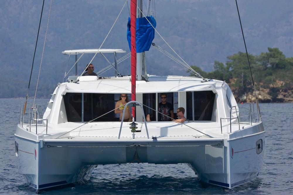 Boat rental Furnari cheap Leopard 44