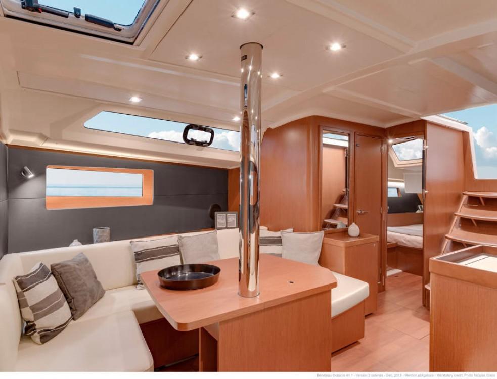Rental Sailboat in Furnari - Bénéteau Oceanis 411